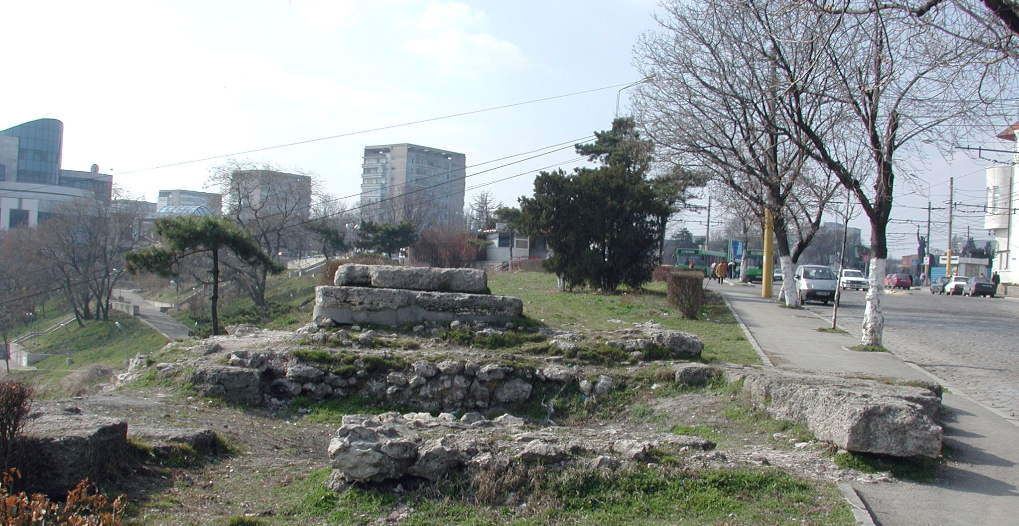II.5-Ruins-of-a-tower-of-the-Early-Roman-fortification-wall